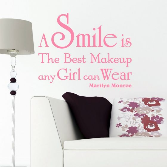 Wallsticker A Smile is the best Makeup - NiceWall.dk