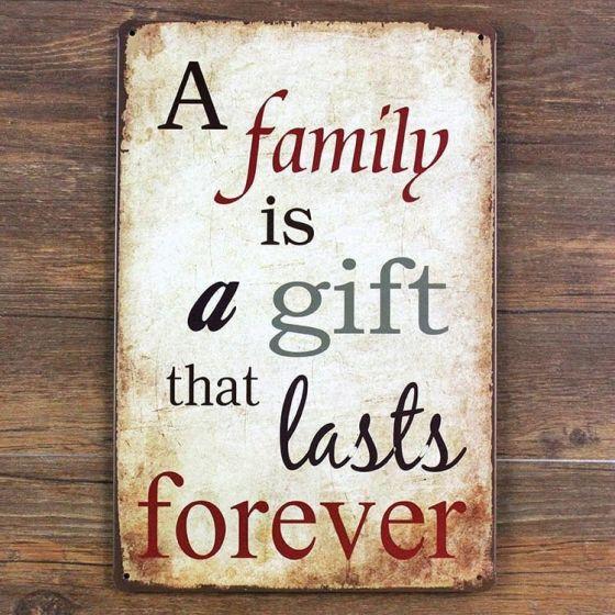 Emaljeskilt Family is a gift - NiceWall.dk