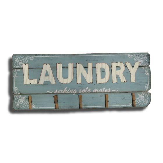Laundry - seeking sole mates Træskilt - Flot skilt i træ - Vægdekoration til boligen