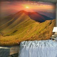 Smukt landskab i efterårsfarver i Karpaterne fotostat - flot foto tapet til væggen