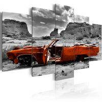 Orange car canvas print - flot billede på lærred