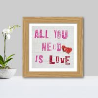 Plakat: All You need is Love - NiceWall.dk
