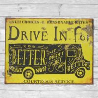 Drive in for better service - Metal skilt. Flot retro blikskilt med bil.