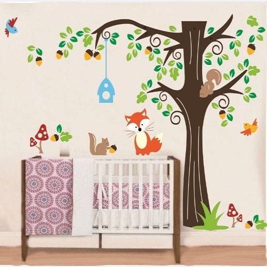 Image of   Wallsticker Kæmpe træ med dyr og fuglehus