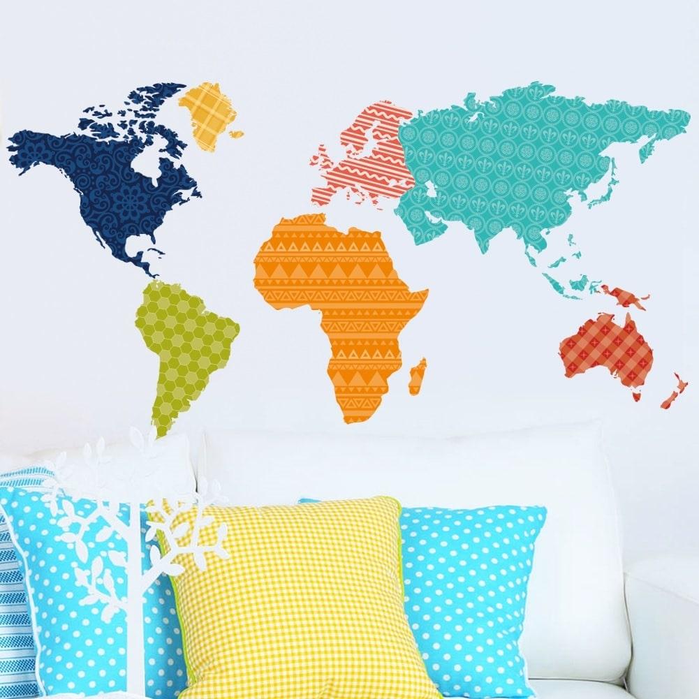 Wallsticker Verdenskort i farver og mønstre